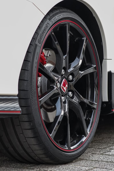 A new version of the tire that can detect wear and repair